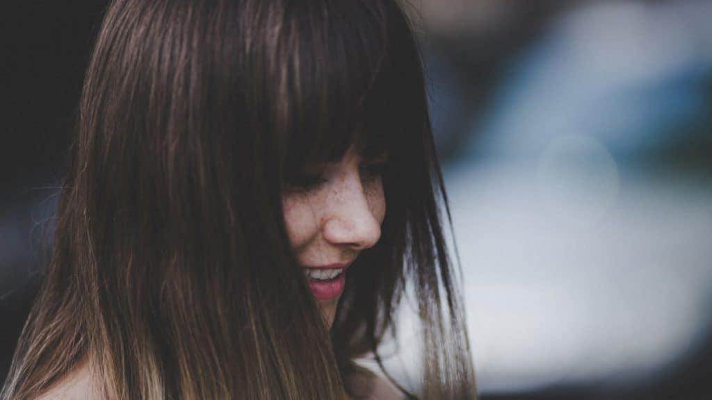 rambut lepek