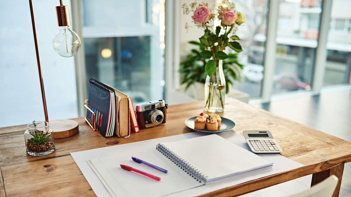 lampu belajar dan kerja