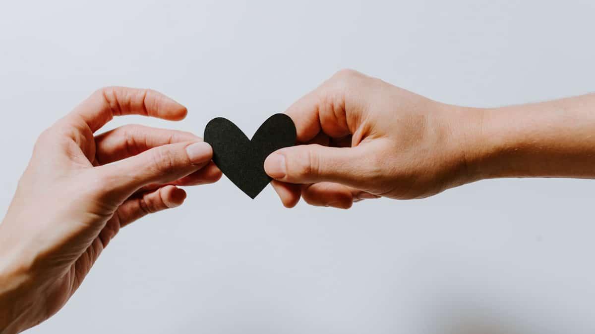 arti komitmen dalam hubungan