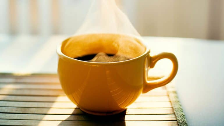 segelas kopi hitam