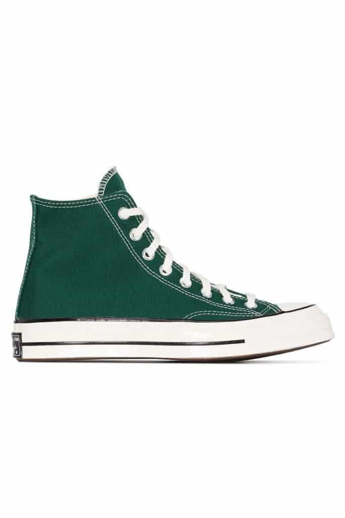 paduan warna hijau army