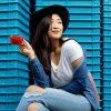 14 Paduan Warna Biru Dongker yang Akan Selalu Membuat Penampilanmu Chic