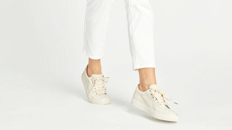 sneakers-untuk-telapak-kaki-rata