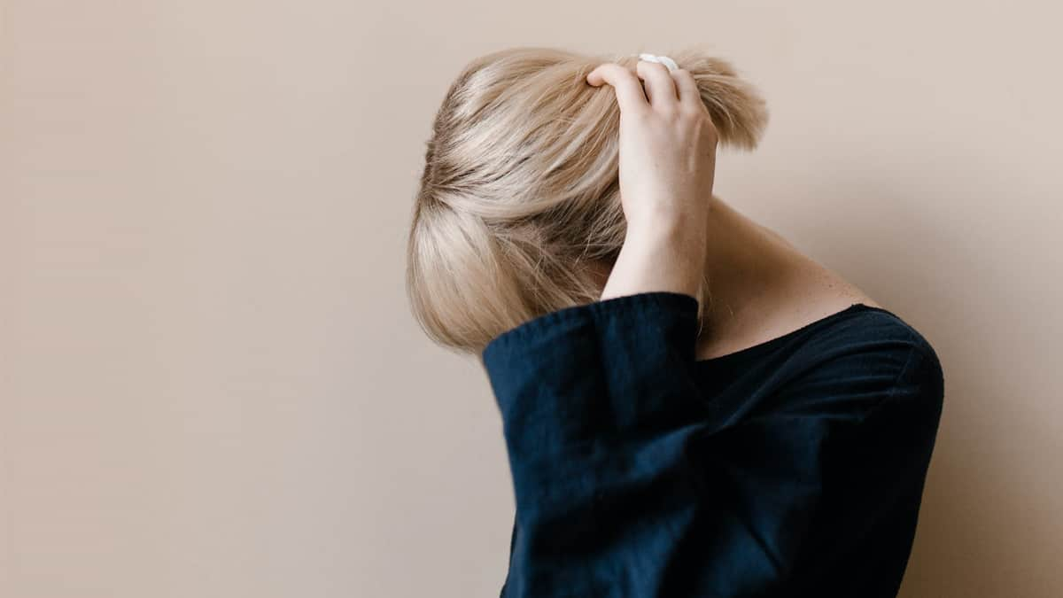 perawatan rambut pirang