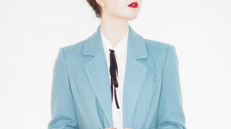 paduan warna biru