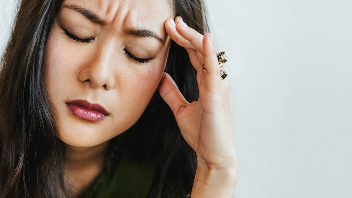 mengalami migrain