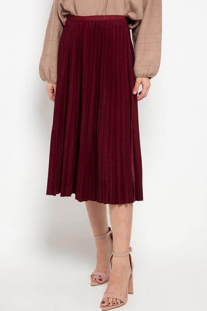 paduan warna maroon
