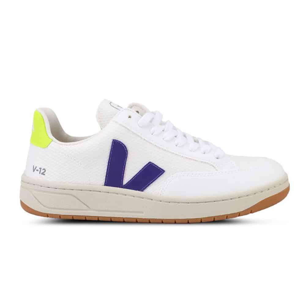 cara membersihkan sepatu putih