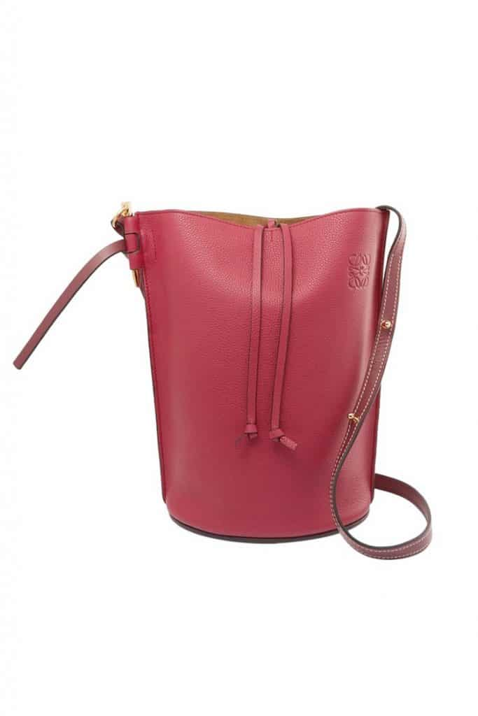 warna burgundy