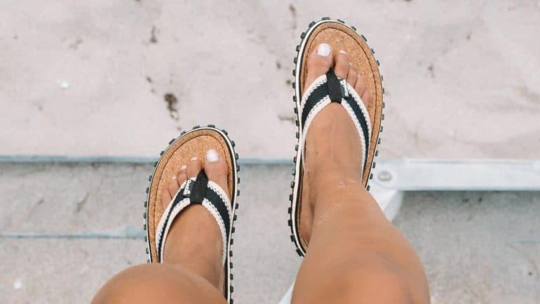 sandal jepit